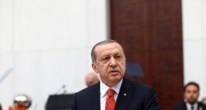 Ankara, 2017. október 1. A török elnöki hivatal sajtóirodája által közreadott képen Recep Tayyip Erdogan török elnök beszél a parlament őszi ülésszakának megnyitóján Ankarában 2017. október 1-jén. (MTI/EPA/Török elnöki hivatal sajtóirodája)