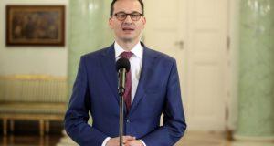 Varsó, 2017. december 8. Mateusz Morawiecki eddigi lengyel kormányfőhelyettes, fejlesztési és pénzügyminiszter beszédet mond, miután Andrzej Duda lengyel államfő kormányalakítással bízta meg a varsói elnöki palotában 2017. december 8-án. Morawieckit a kormányzó Jog és Igazságosság (PiS) párt vezetése jelölte az előző napon lemondott Beata Szydlo tisztségének betöltésére. (MTI/EPA/Pawel Supernak)