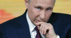 Vlagyimir Putyin orosz elnök éves televíziós sajtóértekezletét tartja Moszkvában 2017. december 14-én. (MTI/EPA/Jurij Kocsetkov)