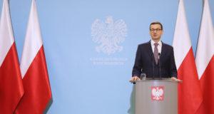 Varsó, 2017. december 19. Mateusz Morawiecki új lengyel miniszterelnök sajtótájékoztatót tart a kabinet ülése után Varsóban 2017. december 19-én. A lengyel kormány először ült össze Morawiecki december 8-i kinevezése óta. (MTI/EPA/Pawel Supernak)