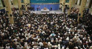 Teherán, 2018. január 9. Szajed Ali Hamenei ajatollah, Irán legfőbb vallási és politikai vezetője beszédet mond egy teheráni tanácskozáson 2018. január 9-én. A közel-keleti országban 2017. december 28-a óta utcai megmozdulások zajlanak a magas árak, az iszlám köztársaság kormánya és az országot az 1979. évi iszlám forradalom óta irányító vallási elit ellen. Hamenei kijelentette: Irán megakadályozta az Egyesült Államok és Nagy-Britannia kísérletét arra, hogy békétlenséget szítson az országban a tüntetések ürügyén. (MTI/EPA/Hamenei hivatalos honlapja)