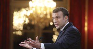 Emmanuel Macron francia államfõ újévi beszédet mond a sajtó munkatársainak a párizsi elnöki rezidencián, az Elysée-palotában 2018. január 3-án. (MTI/AP pool/Ludovic Marin)