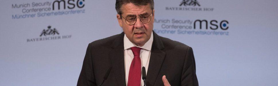 München, 2018. február 17. Sigmar Gabriel német külügyminiszter beszél az 54. nemzetközi biztonságpolitikai konferencián Münchenben 2018. február 17-én. A háromnapos tanácskozás február 18-án zárul. (MTI/EPA/Ronald Wittek)