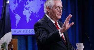 Washington, 2018. március 13. Rex Tillerson távozó amerikai külügyminiszter sajtóértekezletet tart a washingtoni külügyminisztériumban 2018. március 13-án, miután Donald Trump amerikai elnök bejelentette, hogy leváltja posztjáról, és a helyére Mike Pompeo CIA-igazgatót jelöli. (MTI/EPA/Shawn Thew)